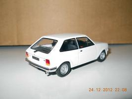 Прикрепленное изображение: Colobox_Ford_Fiesta_Ixo~02.jpg