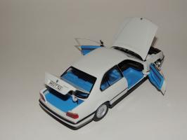Прикрепленное изображение: BMW 740i 7.JPG