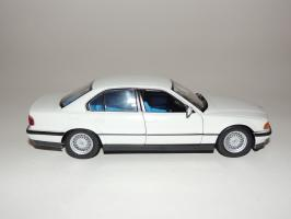 Прикрепленное изображение: BMW 740i 5.JPG