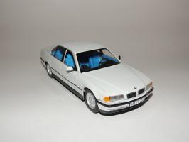 Прикрепленное изображение: BMW 740i 1.JPG