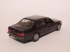 Прикрепленное изображение: BMW 750IL 2.JPG