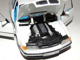 Прикрепленное изображение: BMW 740i 8.JPG