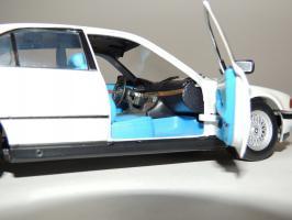 Прикрепленное изображение: BMW 740i 10.JPG