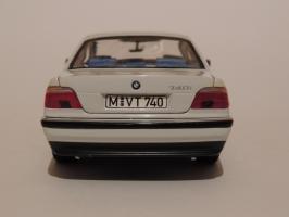 Прикрепленное изображение: BMW 740i 4.JPG