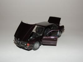 Прикрепленное изображение: BMW 750IL 6.JPG
