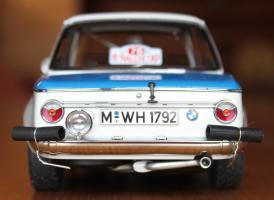 Прикрепленное изображение: BMW 2002 Tap Rally-szadi.jpg