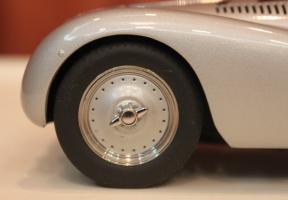 Прикрепленное изображение: 328 Streamline Roadster-koleso.jpg