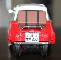 Прикрепленное изображение: BMW Isetta 250-szadi.jpg