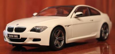 Прикрепленное изображение: 6er-M6(E63)Coupe-speredi sboku.jpg