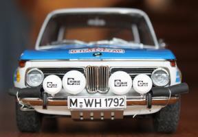Прикрепленное изображение: BMW 2002 Tap Rally-speredi.jpg
