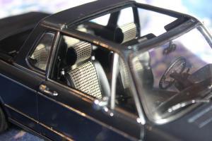 Прикрепленное изображение: 2002 (E10) 02 Cabrio(1971)-salon 2.jpg