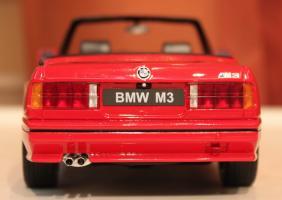 Прикрепленное изображение: 3er M3(E30) Cabrio-szadi.jpg