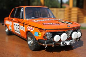 Прикрепленное изображение: BMW 2002 Rally Monte Carlo-speredi blizko.jpg