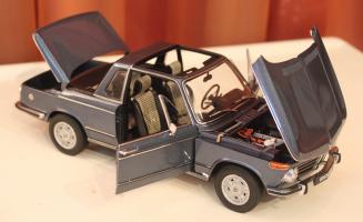 Прикрепленное изображение: 2002 (E10) 02 Cabrio(1971)-speredi sboku vse otkrito.jpg