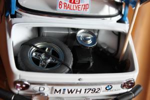 Прикрепленное изображение: BMW 2002 Tap Rally-vnutri bagazhnika.jpg