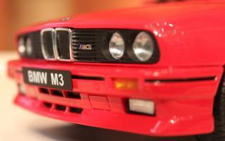 Прикрепленное изображение: 3er M3(E30) Cabrio-speredi blizko.jpg