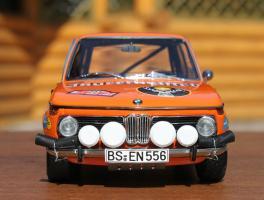Прикрепленное изображение: BMW 2002 Rally Monte Carlo-speredi.jpg