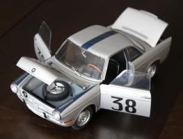 Прикрепленное изображение: BMW 700 Rennsport #38  -  speredi sboku vse otkrito.jpg