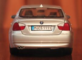 Прикрепленное изображение: 3er(E90)-Sedan-szadi.jpg