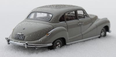 Прикрепленное изображение: Bmw 501(1952 years)-szadi sboku.jpg