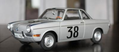 Прикрепленное изображение: BMW 700 Rennsport #38  -  speredi sboku.jpg