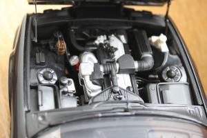 Прикрепленное изображение: 5er-(E34) 535i - motor.jpg