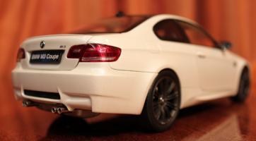 Прикрепленное изображение: 3er(E92)M3-Coupe-szadi sboku.jpg