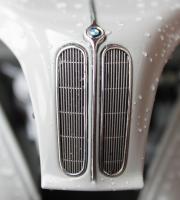 Прикрепленное изображение: Bmw 501(1952 years)-radiator.jpg