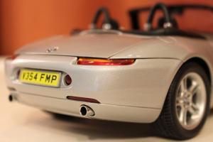 Прикрепленное изображение: Z8(E52)-James Bond-szadi sboku blizko.jpg