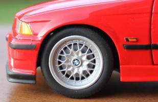 Прикрепленное изображение: 3er(E36) 318 is- koleso blizko.jpg