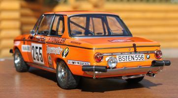 Прикрепленное изображение: BMW 2002 Rally Monte Carlo-szadi sboku.jpg