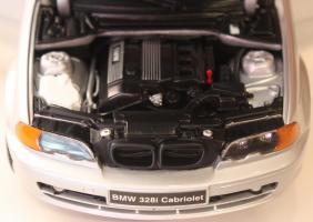 Прикрепленное изображение: 3er 328i(E46)-Cabrio-motor.jpg