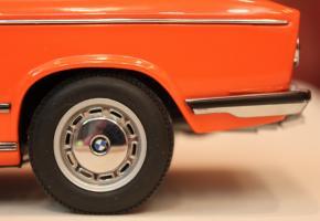 Прикрепленное изображение: 2000-(E6)02-Touring-1971- koleso.jpg