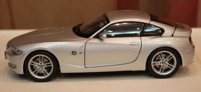 Прикрепленное изображение: Z4M Coupe (E85)sboku.jpg