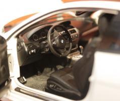 Прикрепленное изображение: 6er-M6(E63)Coupe-salon 2.jpg