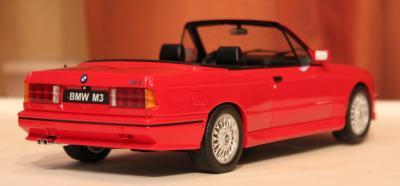 Прикрепленное изображение: 3er M3(E30) Cabrio-szadi sboku.jpg