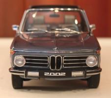 Прикрепленное изображение: 2002 (E10) 02 Cabrio(1971)-speredi.jpg