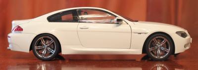 Прикрепленное изображение: 6er-M6(E63)Coupe-motor (3).jpg