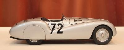 Прикрепленное изображение: 328 Streamline Roadster-sboku.jpg