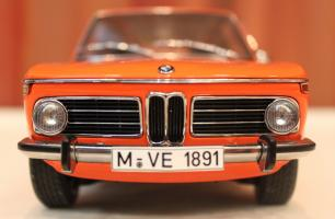 Прикрепленное изображение: 2000-(E6)02-Touring-1971- speredi blizko.jpg