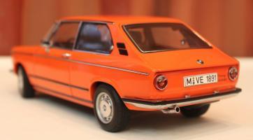Прикрепленное изображение: 2000-(E6)02-Touring-1971- szadi sboku.jpg