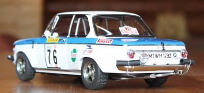 Прикрепленное изображение: BMW 2002 Tap Rally-szadi sboku.jpg