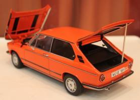 Прикрепленное изображение: 2000-(E6)02-Touring-1971- szadi sboku otkrito.jpg
