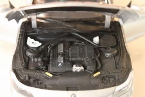Прикрепленное изображение: Z4 Convertible (E89) motor.jpg