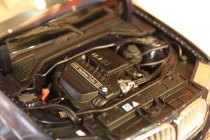 Прикрепленное изображение: X3(F25) - motor.jpg
