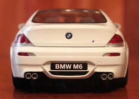 Прикрепленное изображение: 6er-M6(E63)Coupe-szadi.jpg
