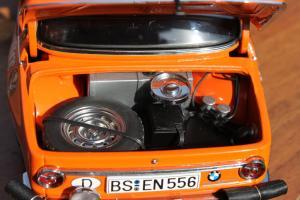 Прикрепленное изображение: BMW 2002 Rally Monte Carlo-vnutri bagazhnika.jpg