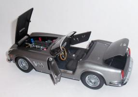 Прикрепленное изображение: Ferrari 250 GT California SWB 1958 Grey metallic - Hot wheels Elite (5).JPG