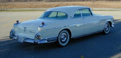 Прикрепленное изображение: 1955_Imperial_rear.jpg