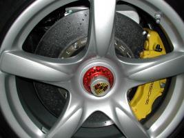 Прикрепленное изображение: PCCB_Brake_Carrera_GT,Углерод-керамические дисковые тормоза Porsche Carrera GT.  .jpg